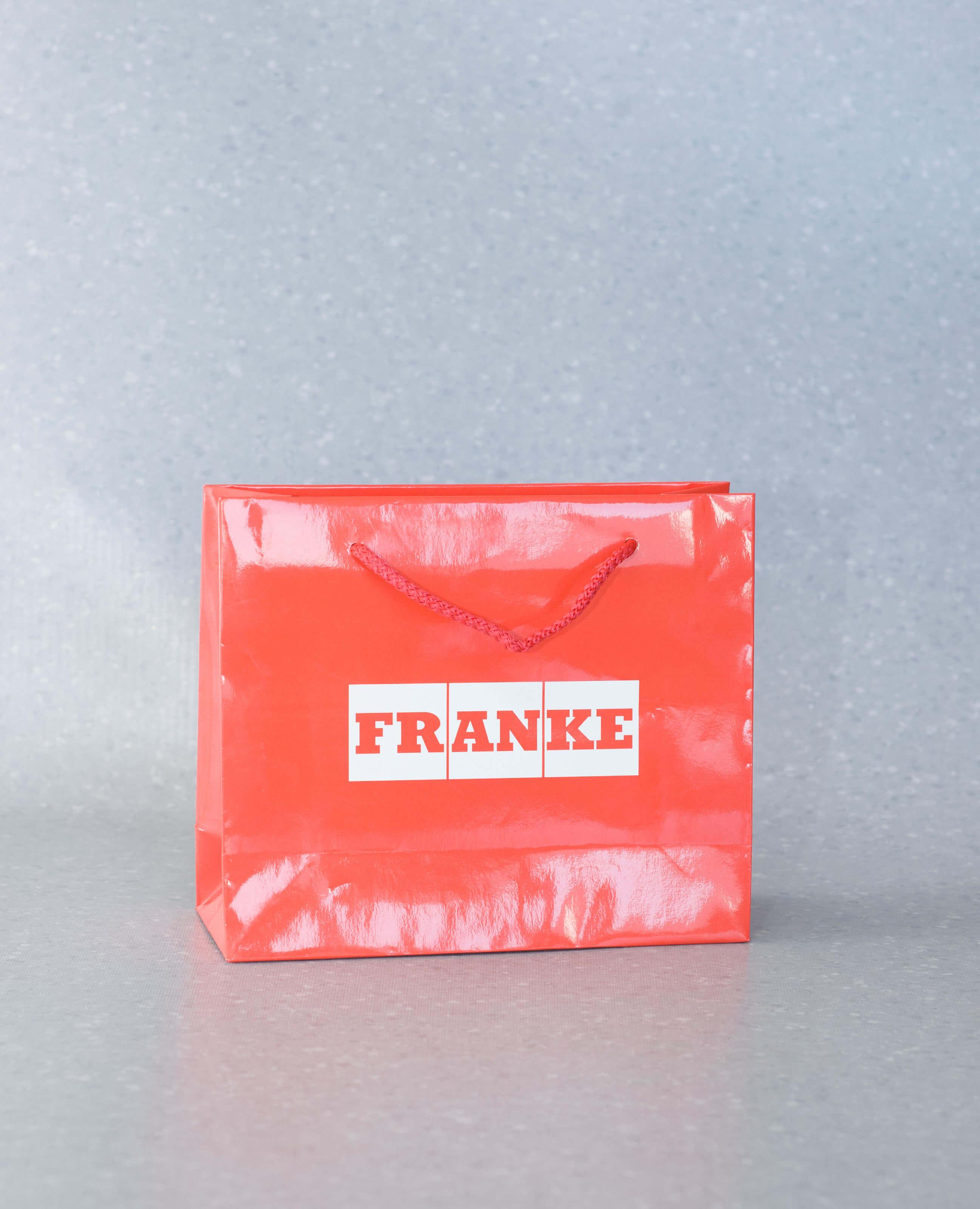 torby-papierowe-z-nadrukiem-ze-sznurkiem